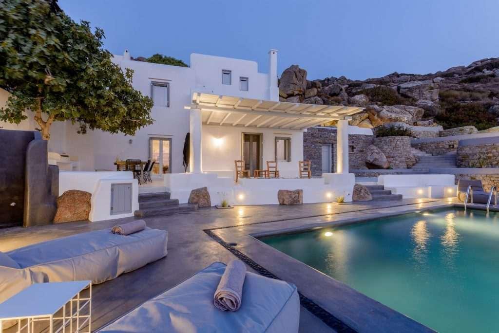 Hill Villa Naxos